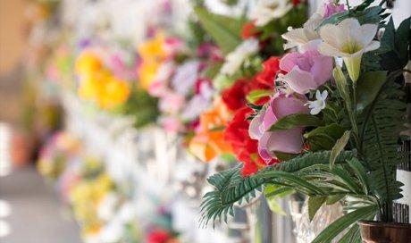 Entreprise professionnelle pour l'entretien floral de sépulture Avignon